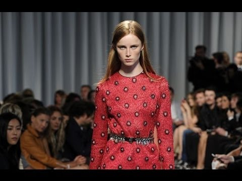 Louis Vuitton Cruise 2015 Show Highlights