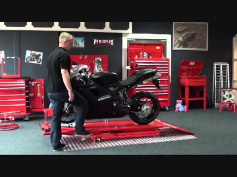 powerplustools motorrad hebeb hne mit radklemmer tutorial. Black Bedroom Furniture Sets. Home Design Ideas
