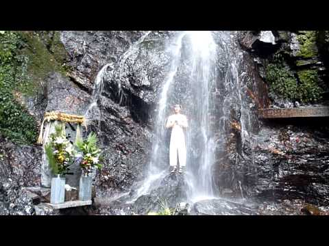 滝行しました。 Aikido Training  in waterfall.avi Image 1
