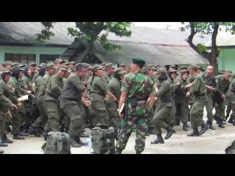 Yel Yel  Kompi B Diklat Bela Negara Kemhan Ri Gel Ii T.a 2013 (part 1)  Kemhan video