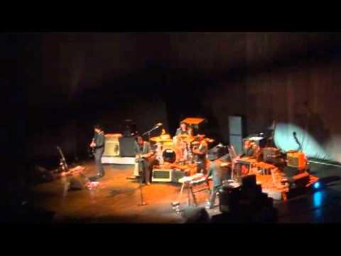 Bob Dylan - Bob Dylan live at Manchester Evening News Arena - Leopard-Skin Pill-Box Hat 2011-10-10