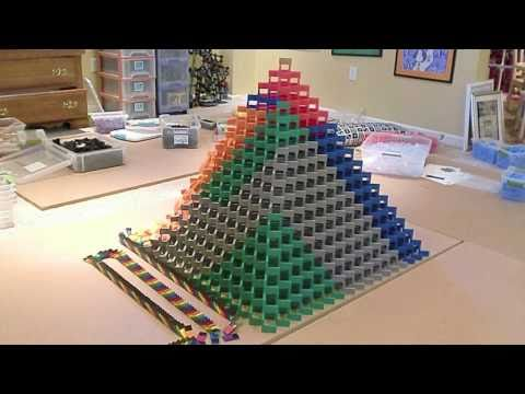 The Biggest 3D Domino Pyramid Ever - Made by me (2)