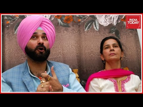 Navjot Singh Sidhu & His Wife Join Aam Admi Party