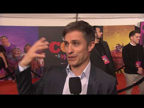 COCO PREMIERE SPANISH INTERVIEW TO  GAEL GARCIA BERNAL