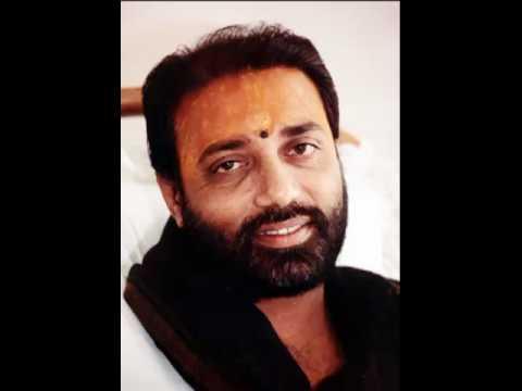 Stuti Hanuman Chalisa - Pujya Morari Bapu video
