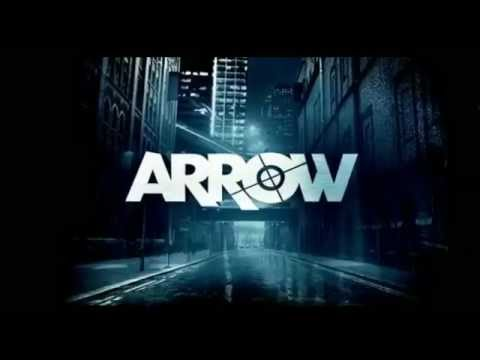 0 Arrow star Stephen Amell on Dark Knight comparisons, beefing up and not being a dick