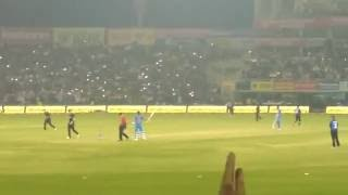 Virat kohli smacking a century (100*) moment 3rd ODI vs NZ in MoHali