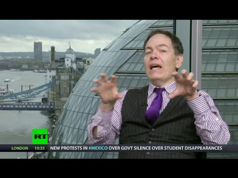 Keiser Report: Kim Kardashian's Bottom as Model of UK Economy (E682)