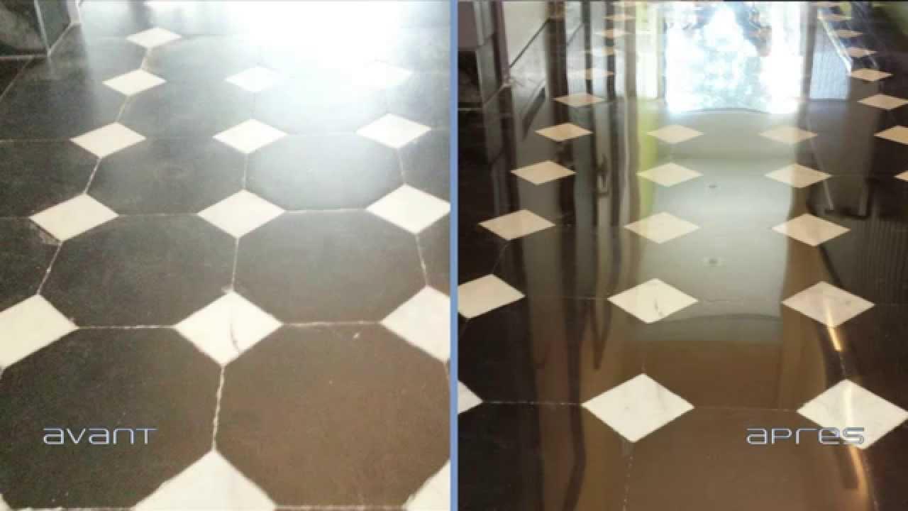 r novation d 39 un couloir en marbre dans une maison de. Black Bedroom Furniture Sets. Home Design Ideas