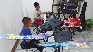 Mưa Chiều Miền Trung - Hòa Tấu có lời -  Nhạc Sống PHONG BẢO