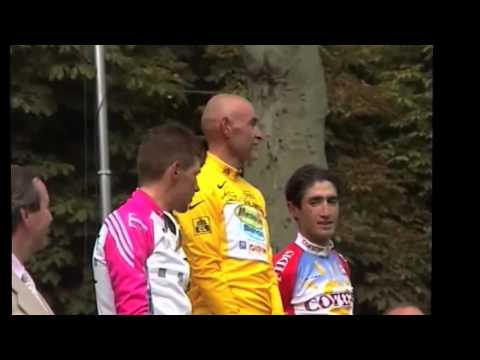 Marco Pantani sul podio di Parigi del Tour de France 1998