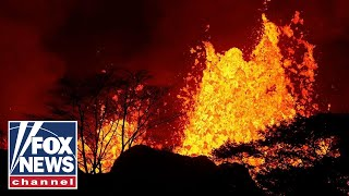 download musica Hawaii man suffers shattered leg after hit by lava spatter