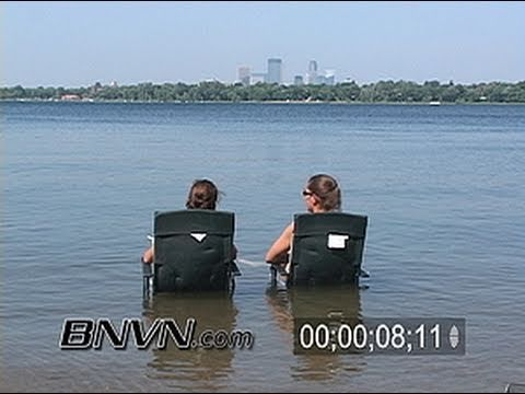 6/23/2005 Footage of people in Minneapolis, MN during record high temperature