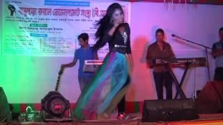 গ্রামের মেয়ের স্টেজ হট ডান্স দেখলে মাথা গুরবে | Bangla village wedding dance 2017