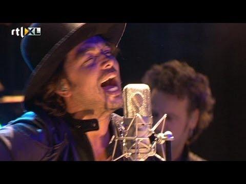 Waylon -- Grasping Song - THE HIT