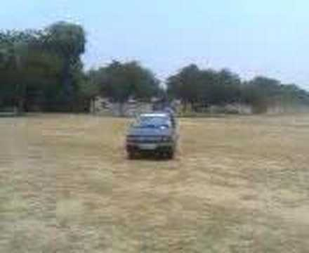 Stunt in maruti 800 Video