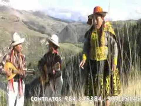 Autenticos Carnavaleros Yana Phuyucha