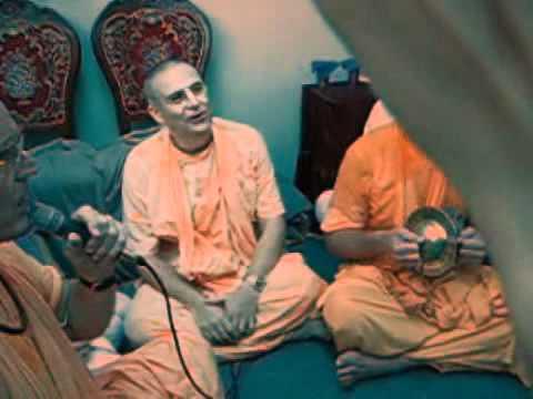 Indradyumna Swami, Prabhavishnu Swami, Bb Govinda Swami - Kirtans In Angarsk, August 26, 2008 video