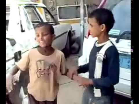 أطفال سودانيين يرقص في أغنية هندية thumbnail