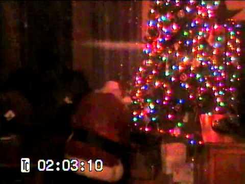 Santa Claus caught on tape - YouTube - 17.6KB