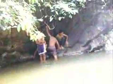 Aksi Panas di Air Terjun Sg Mahang