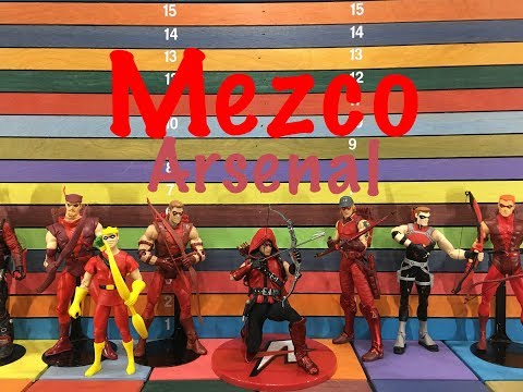 Mezco One:12 Collective ARSENAL action figure toy review
