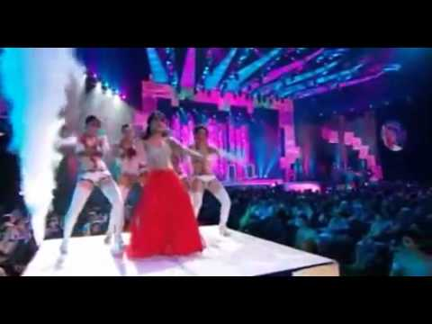 Priyanka Chopra performing at IIFA Awards 2011