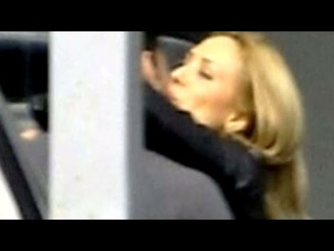 OMG! Salman Khan & Iulia Vantur CAUGHT Kissing In Dubai | Bollywood Gossip