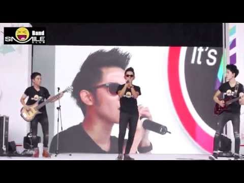 คุกเข่า Cocktail ( cover Live ) Smile Club Band  คอนเสิร์ต Mini Concert @Siam square one