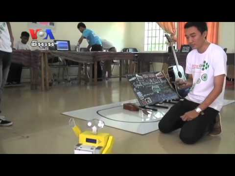 At Barcamp, Cambodian Techies Test New Gear, Apps