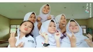 Download Lagu 8 Video Goyang 2 Jari Tik Tok Paling Diminati Terbaru Gratis STAFABAND