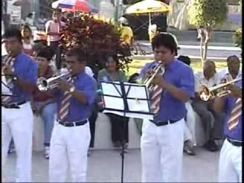Un Vernano en Nueva York (Banda de Musicos de Piura)