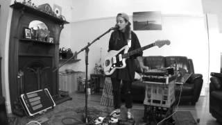 Download Lagu TASH SULTANA - JUNGLE (LIVE BEDROOM RECORDING) Gratis STAFABAND