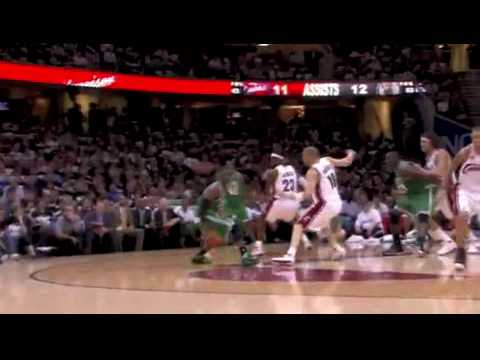 Celtics' Rajon Rondo nice ball fake against Andy Varejao