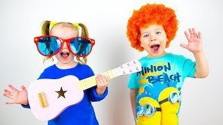 Colors Song - Baby Nursery Rhymes with Gaby and Alex