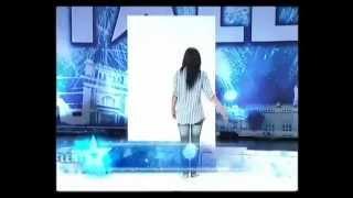 Vẽ tranh bằng ngực trần tại Thailand's Got Talent