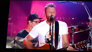"""Download Lagu Dwight and Dierks """"Fast as You"""" Gratis STAFABAND"""