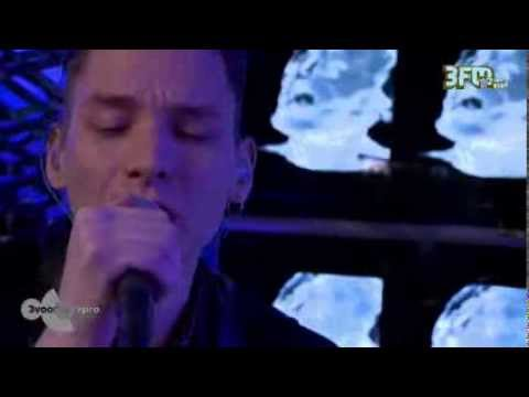 Thomas Azier - 'Ghostcity' live @ 3voor12 Radio