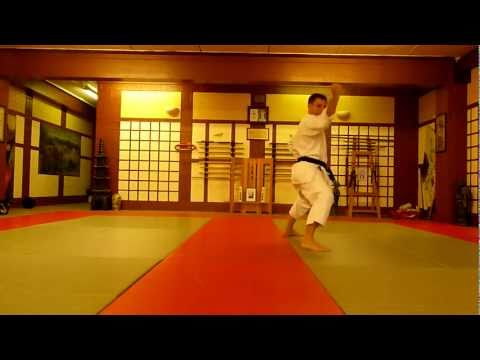 Shotokan Karate Kata Heian Sandan video