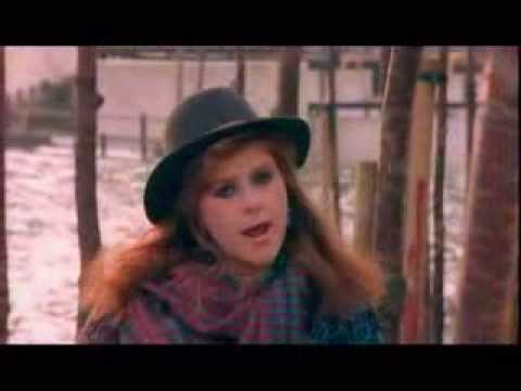 Kirsty Maccoll - A New England