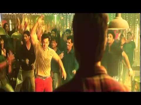 Salman kick saat samundar paar dance