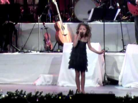 Rockin' Around the Christmas Tree - Brenda Lee (Avery Winter, 2010)