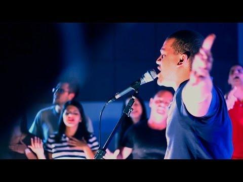 Clipe - Santo Espirito (Holy Spirit) - Geração Quebrantada - HD - 07/05/2014