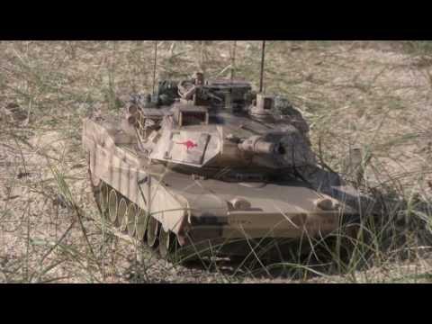 M1A2 ABRAMS BATTLE TANK;1:16 RADIO CONTROLLED in AUSTRALIAN ARMY MARKINGS