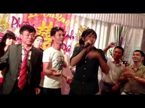 Ngày xuân vui cưới - Hoài Linh hát tại đám cưới cực vui