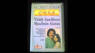 download lagu Titiek Sandhora   Si Siti Pesta Perkawinan gratis