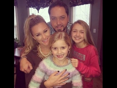 Jason Aldean, Fiancee Brittany Kerr Spend Christmas Eve with His Daughters