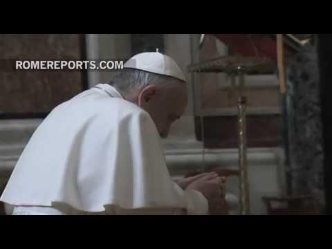 Papa pide oraciones después del fallecimiento de tres familiares en accidente de tráfico