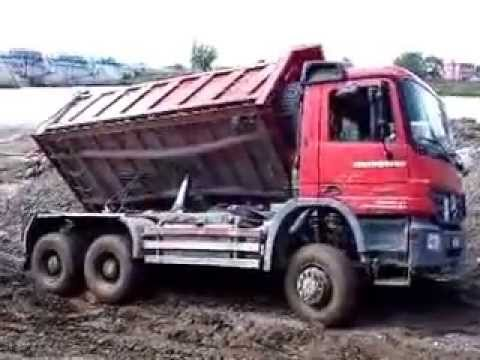 Stuck MB Actros 6x6