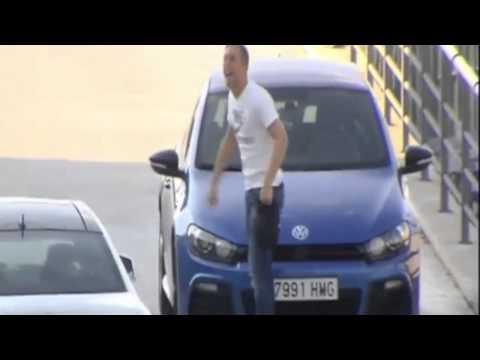 Gerard Deulofeu imita Cristiano Ronaldo / www.weloba.com